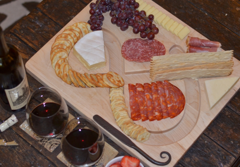 Uncommon Goods Ampersand Cheese and Crackers Serving Board-1