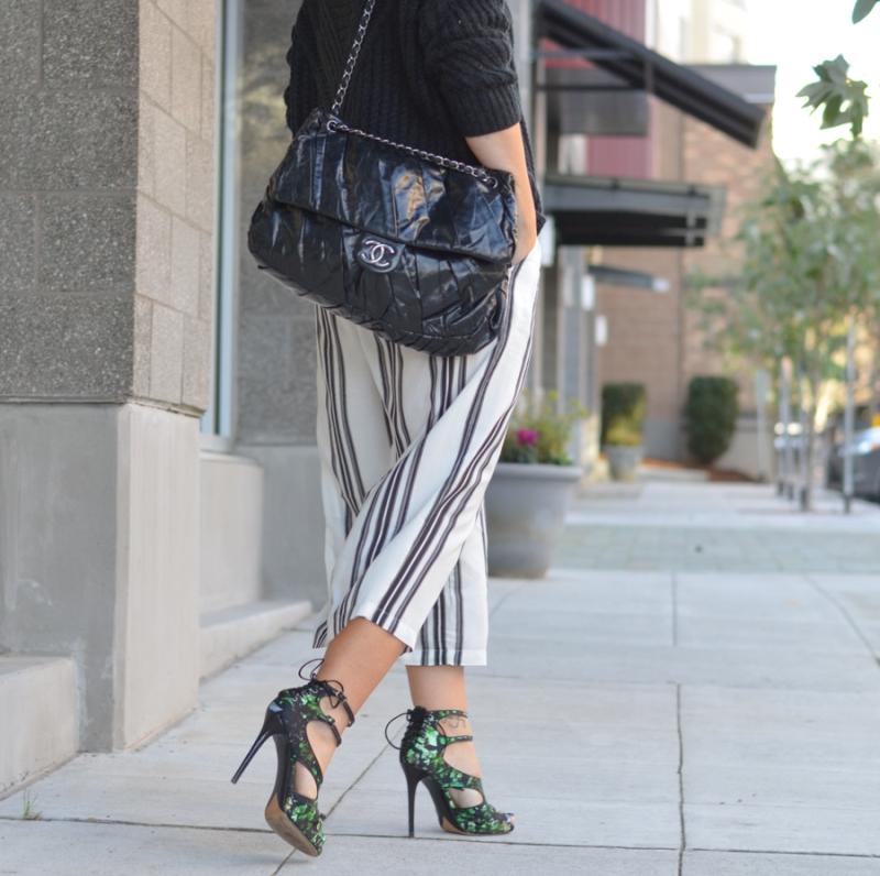Vila Cropped Wide Leg Trouser in Wide Stripe-10