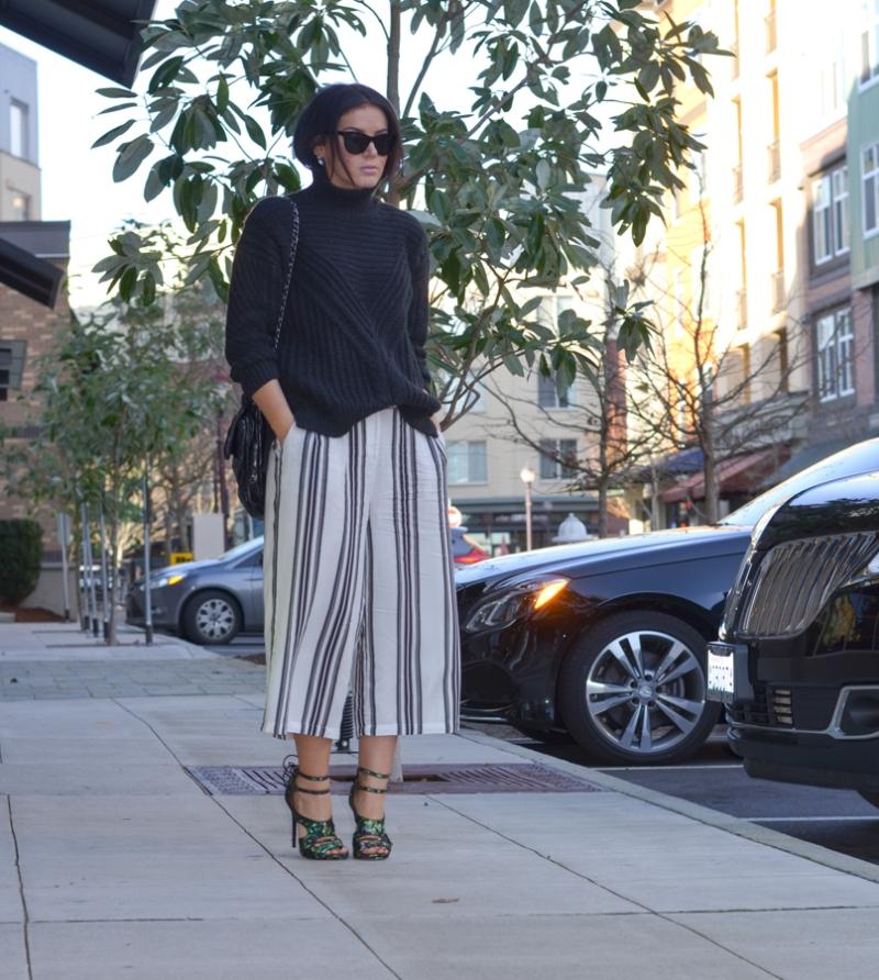 Vila Cropped Wide Leg Trouser in Wide Stripe-5